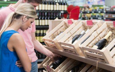 Què cal tenir en compte en comprar vi?