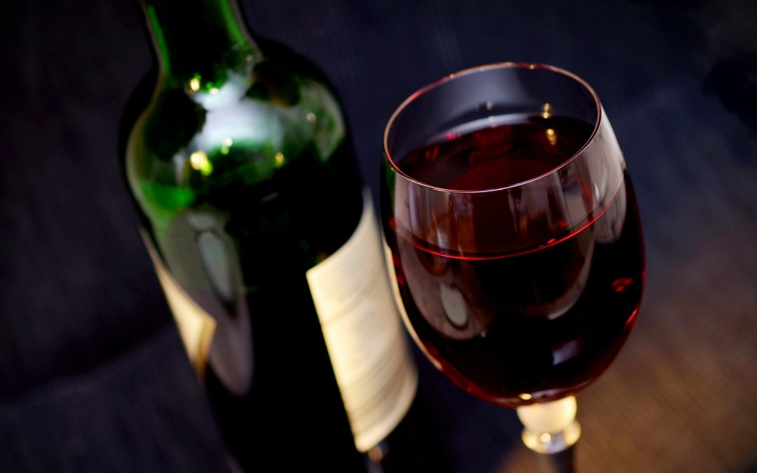 Consumir una copa de vino ayuda a mantenerse en forma