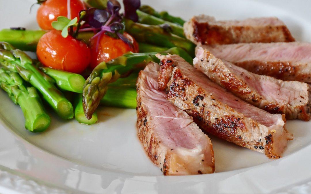 Dieta variada y ejercicio para mejorar la salud