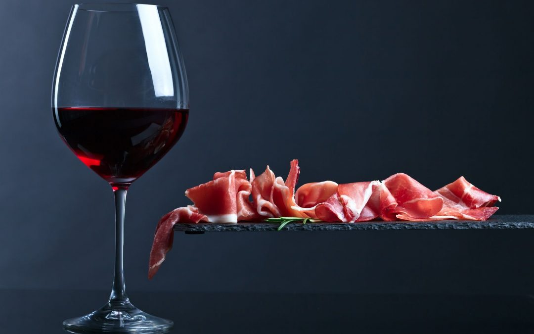 Jamón, aceite y vino en la dieta mediterránea