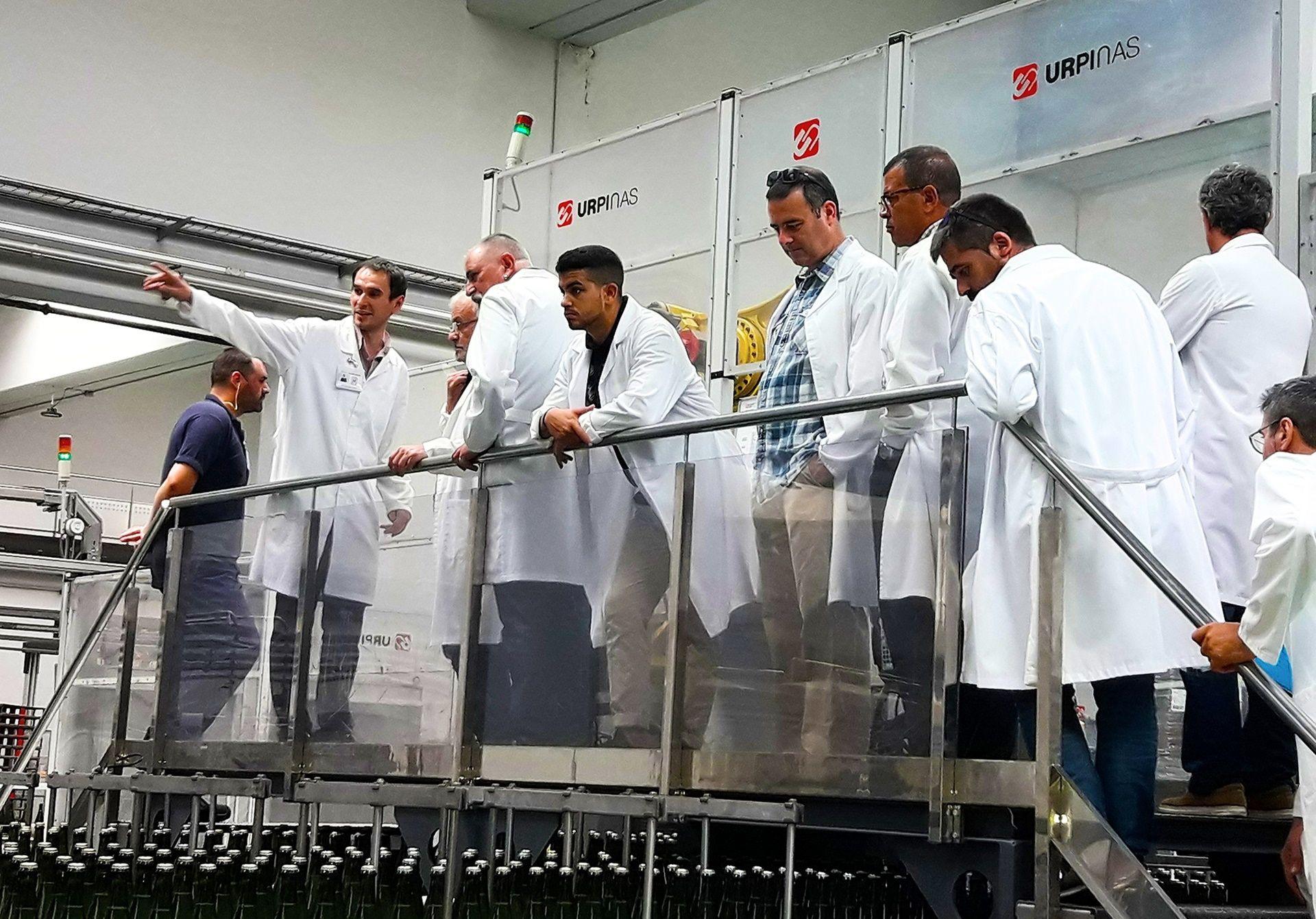 Visita a las bodegas Jaume Serra por parte del equipo comercial de DISTECO